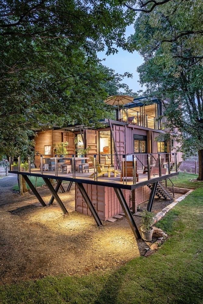 ngôi nhà đẹp từ vật liệu tái chế